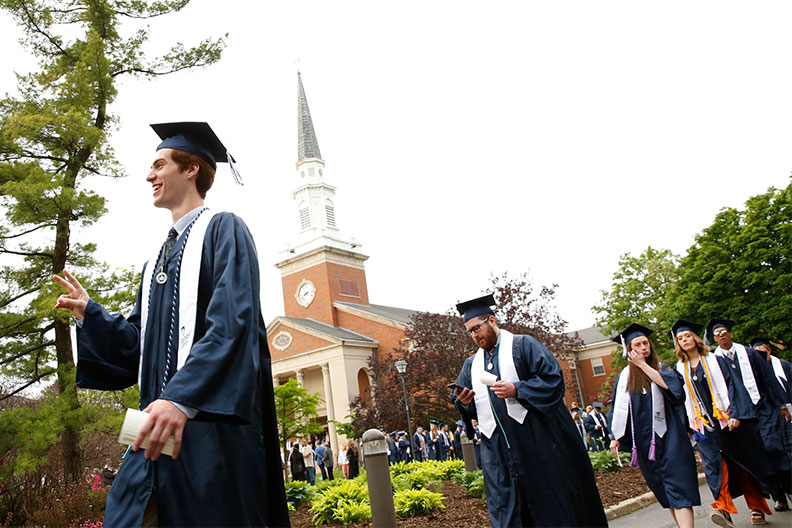 1,025 Students Graduate from Elmhurst College | Elmhurst College
