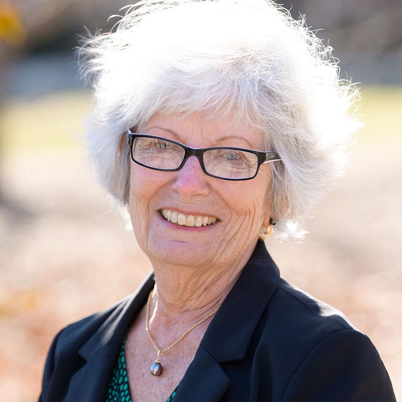 Jacque Hulslander, member of the Elmhurst University Alumni Association Board of Directors.
