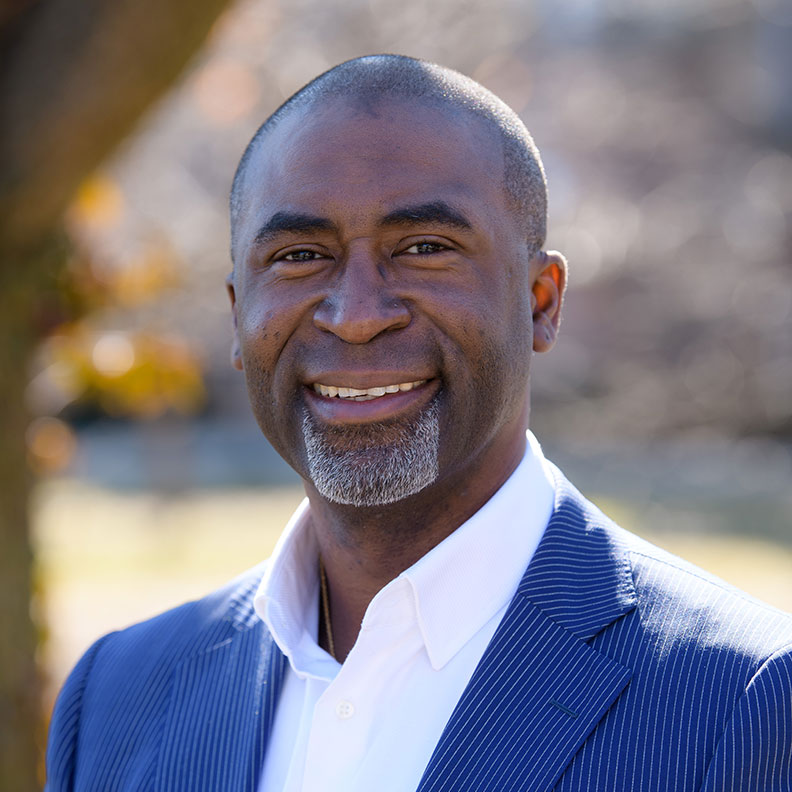 Quincy Banks, member of the Elmhurst University Alumni Association Board of Directors.